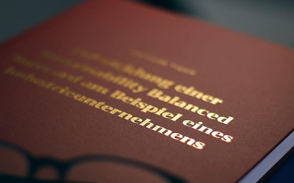 Dissertation gedruckt als Hardcover-Retro bei Bachelor King